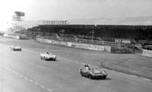 Lotus XI Frost leads Cooper T39 Gammon Silverstone 1956